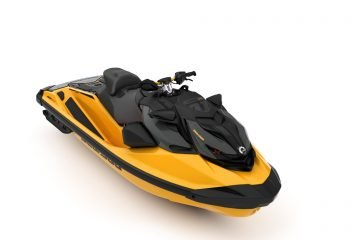 SEA-MY22-RXP-XRS-SS-300-Millenium-Yellow-SKU00021NM00-Studio-34FR-INTL-3300x2475 (1)